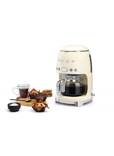 Smeg Filtre Kahve Makinesi Krem Krem